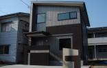 洗練されたシンプルデザインのコンパクトハウス