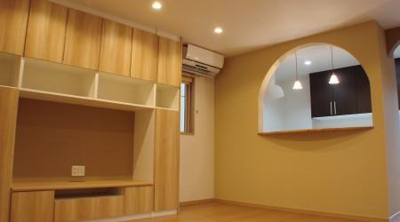 造り付け家具のある子育てハウス